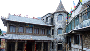 Man builds house of million shells in China