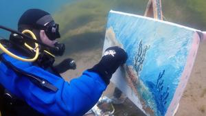 Underwater artist from Siberia
