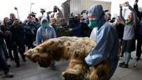 Frozen mammoth of 40,000 years displayed in Moscow