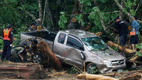Massive floods in Thailand, at least 120 killed